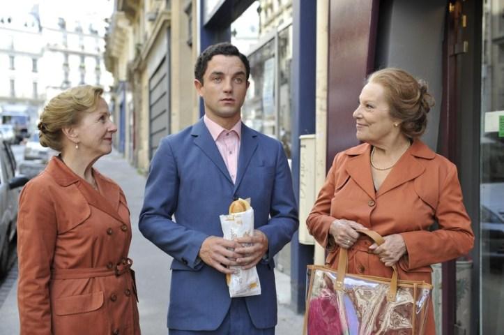 Guillaume Gouix entouré d'Hélène Vincent et de Bernadette Lafont dans son dernier rôle.