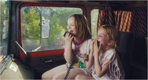 Suzanne  et sa  soeur  Maria ,   souvenirs  d'une enfance heureuse