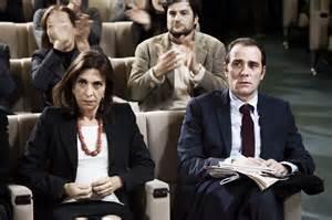 Anna  Bonaiuto  et Valerio Mastandrea  (  a une réunion du parti )