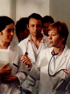 Annie  Girardot  dans  Docteru  Françoise  Gailland