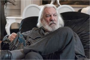 Billy  (  Donald  Sutherland )