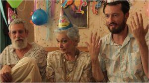 Leeward   à la fette d'anniversaire  de sa  famille  juive... d'anniversair