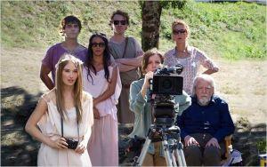 une  autre scène de  tournage   de  l'Astrée . à  gauche , Déborah François   et  à  droite , Michaël Lonsdale ...