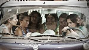 La scène de  tentaiive de  conciliation des  femmes   du quartier