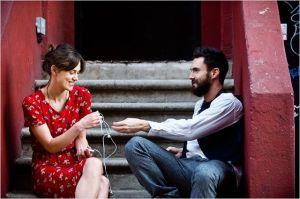 Gretta  (  Keira  Knightley )  et Dave ( Adam  Levin )