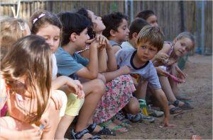 Yoav  en compagnie de ses  camarades de  classe