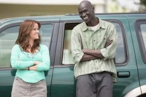 Reese Whiterspoon  et Ger Duany  dans  The  Good  Lie   de  Philippe  Falardeau