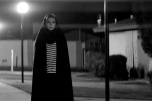 Sheila Vand  dans  A Girl Walk  Alone  et Night  de  Ana Lili Amirpour