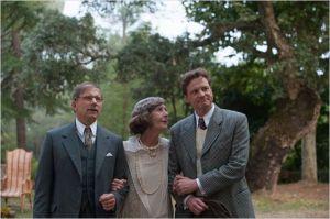 Stanley  (Colin  Firth)  avec  son ami (Simon Mc Burney )   en compagnie de  la  Ctalidge (  Eileen  Atkins ).