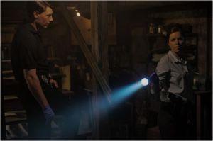 La  Police  enquête- Kim Dickens et  Patrick  Fugit-