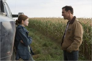 Cooper  (  Matthew  McConaughey )  et sa  fille (  Mackenzie  Foy )