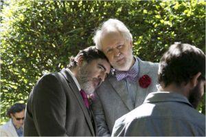 La  cérémonie de Mariage : Alfred  Molina  et  John Lightgow