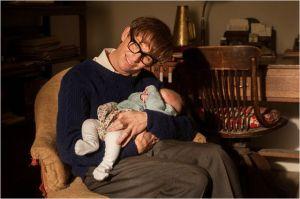 Stephen  Savoure  les  moments de  détente  familiale  avec  un de ses  enfants  nouveau né ..