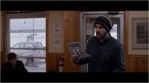 le  Père ( Ryan Reynolds ) à  la recherche de sa  fille, ne baisse  pas  les bras