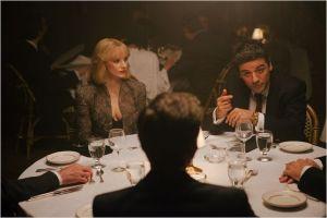 Abel ( Oscar Isaac ) et Anna ( Jessica Chastain ) en repas d'affaires