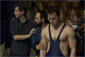 Scéne de  tournage .De  Gauche  à  droite, le  réalisateur ( Bennett Miller), Mark  Ruffalo  et Channing  Tatum :