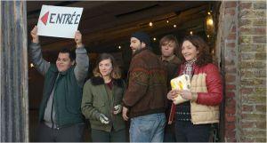 L'ouverure  du magasin Alternati: M'Barek Malkouk, Sarah  Suco , Olivier  Barthélémy , Pascol Demolon et Corine  Masiero  ( de  gauche  à  droite )