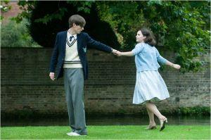 Stephen  Eddy  Reydmare )  et  Jane ( Félicty Jones , les  jours  heureux de la  jeunesse étudiante