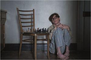 Stephen   reclus dans sa  solitude  après  l'annonce  du verdict  de sa  maladie ...