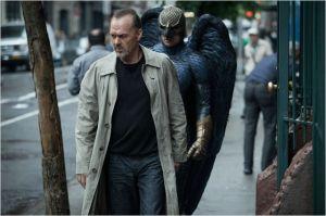 Riggan (  Michaël Keaton)  et   Birdman, son  fantôme