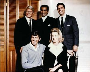 Barbara  Bain , Greg Morris , Leonard  Nimoy, Peter  Graves  et Pete  Lups  dans  Mission Impossible  (1966)