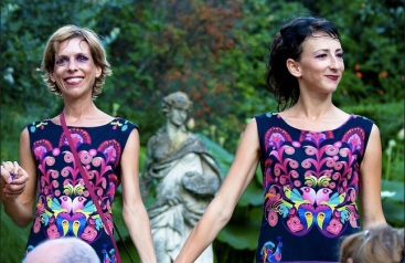 Elodie Tampon-Lajarriette, Elise Clary les deux comédiennes avec Thierry Vincent.