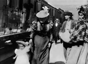 l'Arrivée d'un train en gare de la Ciotat.