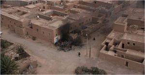 image de la surveillance par drones, d'un repaire terroriste