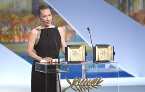 Emmanuelle  Bercot -  Prix d'interprétation féminie  pour  Mon Roi de  maïwen  (  Photo  AFP / valéry Hache )