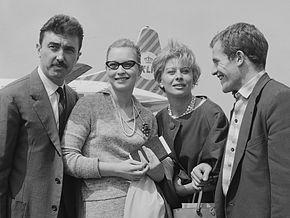Luciano Emmer, Marina Vlady , Magali Noël et Berard Fresson  lors d'un tournage  en Italie dans les années 1960