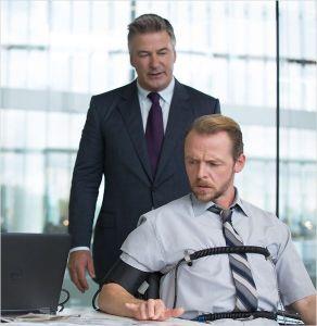 Le directeur de la CIA ( Alec Baldwin ) et Beni Dunn ( Simon Pegg )