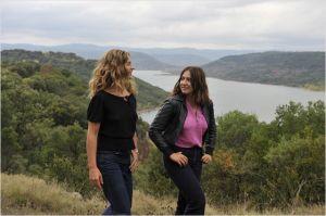 Carole (Cécile de France) et Delphine ( Izia Higelin) dans l'été campagnard