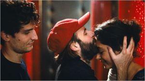 Abel ( Louis Garrel) , Clément ( Vincent Macaigne) , et Mona ( Golshifteh Farhani )