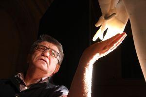 Alexandre Sokourov et la main de la statue