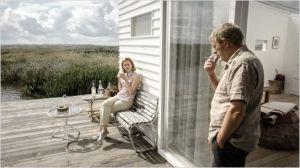 l'écrivain  ( Alex Van Warmerdam )  et sa  fille  (Marie  Kraakman )