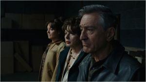 Au premeir plan , Robert De Niro ( le père ) et a ses côtés , Isabelel Rossellini ( sa nouvelle compagne italienne )