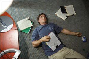 Christian Bale dans son bureau