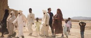 Jacques Arnault ( Vincent Lindon ) en pleines tractations avec les populations locales ...