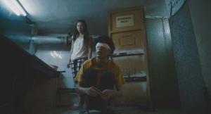 Xiao Yu ( Zin Ge ) la danseuse de cabaret , et Yon Le ( Luo Winjie ) le récuperateur de meubles .