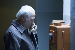 Arquimedes Puccio ( Guillermo Francella )  au chantage téléphonique avec les  familles des  victimes kidnapées