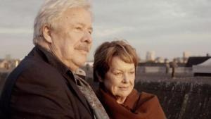 Erik ( Sven Wollter ) et Lilly ( Ghita Norby )