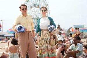 Tony ( Emory Cohen) et Eilis ( Saoirse Ronan)