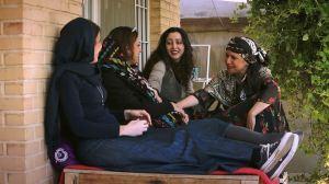 Sarah Najefi (au centre ) entourée de ses amies chateuses...