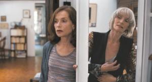 Nathalie ( Isabelle Huppert ) et sa mère Edith Scob )