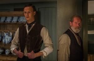 Fils (  Jack Greelees)  et  père (Peter Mullan)  , relations conflictuelles