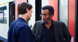 Pier ( Niels Schneider ) face à Rachid ( Abdel Hafed Benotram )