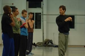 Ohad Naharin , en cours de Danse