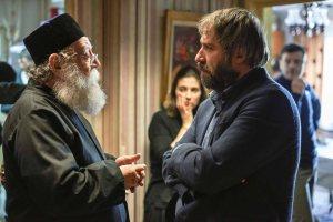 Le Pope ( Valer Dellakesa) et Larry ( Mimi Branescu )