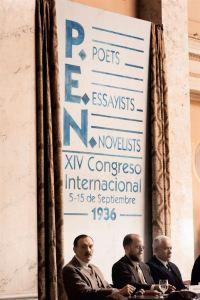Le  congrès des écrivains , poètes  et novéllistes   en 1936 -  A gauche :Stéfan Zweig (  Josef Hader )