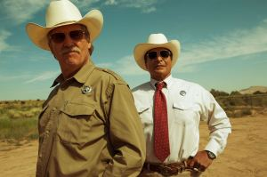 """Le """"duo"""" de Policiers : Jeff Bridges et Gil Birmingham"""